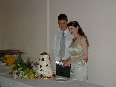macsen and me cutting the cake